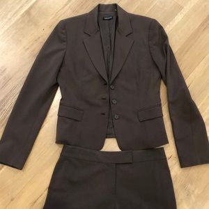 Tahari brown suit jacket with pants size 4